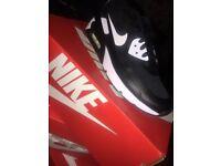 Black And White Nike Air Max