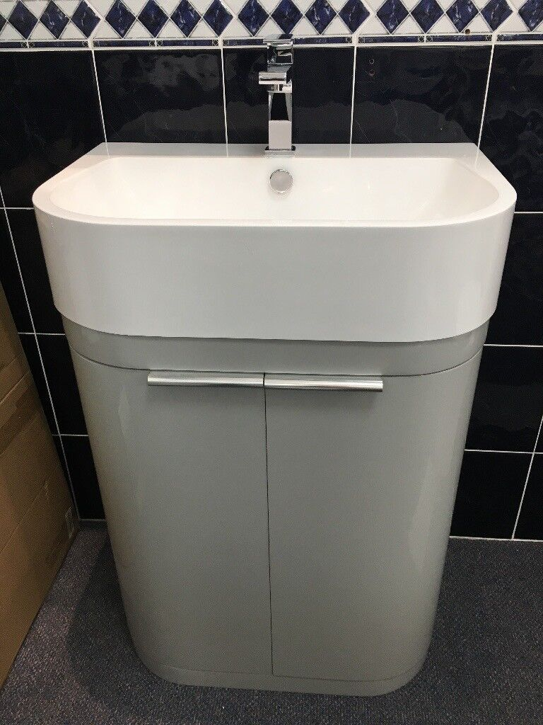 Ex Display R2 Soul 600mm Vanity Unit With Isocast Basin