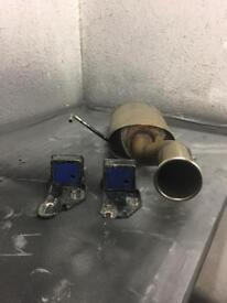 Clio 182 Centre exit exhaust with solid poly mounts