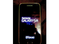 Samsung Galaxy S5 **Perfect Condition and Unlocked** with case and tempered glass screen protector
