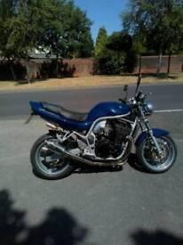 Suzuki Bandit 884