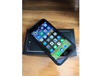 Iphone 7 plus 128GB het black boxed open to any network