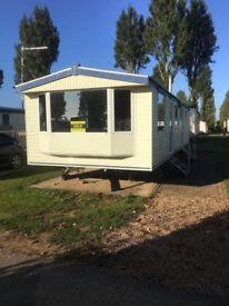 Waterside beautiful Caravan - Picturesque and quiet - great for family - Sleeps 6