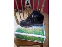 for sale a pair of mens freedom trail walking boots