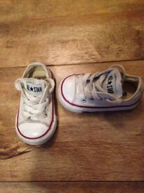 Baby Converse All star trainers white size Uk 3, eur 19