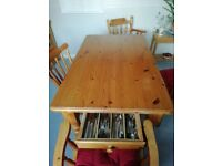 Real Pines dining table and 4 Chairs