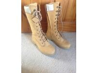 Ladies long timberland boots size 6 never worn.