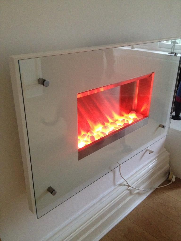Electric firein Fishponds, BristolGumtree - This is a beautiful electric fire first to see will buy, pumps out the heat, in perfect working order. A must have