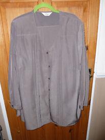 Elvi silky trouser suit, size 24