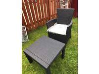 rattan style 1 chair and table new