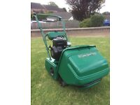QUALCASTY CLASSIC 35S SELF PROPELLED CYLINDER LAWN MOWER (In nearly new condition)