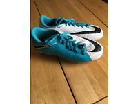 Kids Nike Hypervenom Football Boots Size 5