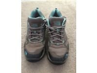 Northface Hedgehog GTX Low Rise Hiking Shoes size 5
