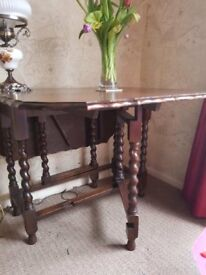 Lovely drop leaf table and 4 chairs