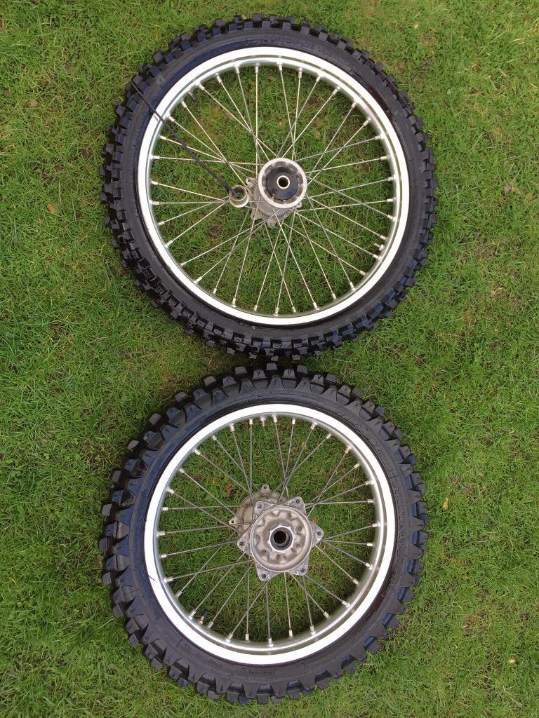 HONDA CRF 250 (07) Standard wheels
