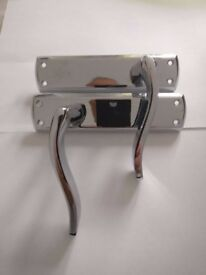 4 pairs of polished chrome internal door handles