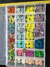 NEW JOB LOT BUTTONS IN LARGE CRAFT COMPARTMENT BOX