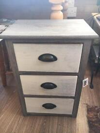 Vintage small chest of draws