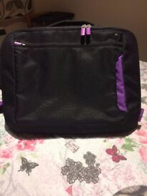 "15.6"" Notebook Messenger Case, Black/Purple"