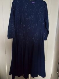 BLUE NAVY DRESS WITH SILVER GLITTER IN SIZE 16S