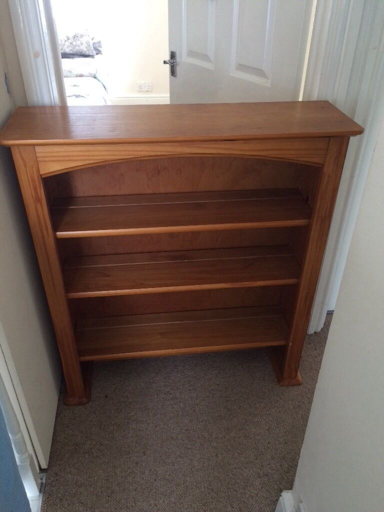 Dresser topin Rhondda Cynon TafGumtree - Dresser top think it is pine, excellent condition. 35 l x 10.7 w x 38.6 h ideal to sit on top of chest of drawers to complete dresser look or secure on wall as shelving unit