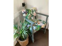 VINTAGE CHAIR - PRETTY Stylish Vibrant OFFERS