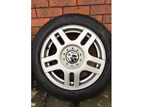 VW 16inch alloys wheels with centre caps x4