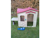 Little Tikes Playhouse - Roundhay Park Leeds 8 - Can Deliver