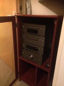 Brilliant almost new Wharefedle retro music system!!