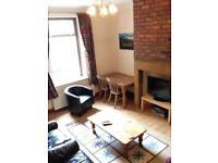 Spacious loft room Heaton AVAIL NOW