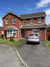 Detached house in private development 5 minutes to M1 and 2 minutes to local shops.