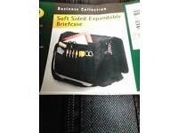 Expandable organiser laptop briefcase