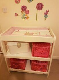 MamaPapa Baby changing table/unit + matrace + storage box