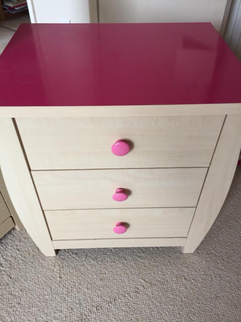 Children's drawer set