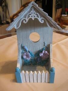 ADORABLE LITTLE VINTAGE GARDEN BIRD FEEDER