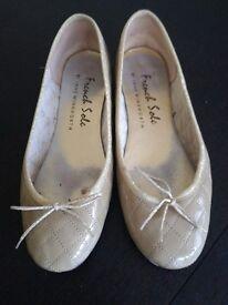Ladies French sole gold pumps size UK 8 EU 42