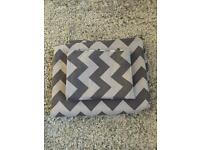 Single duvet grey zig zag