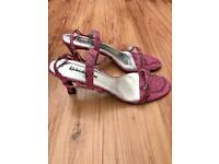 Women's pink and black strap sandals size 6 brand new.