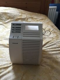 honeywell air purifier never used hepa certified £70 gets rid of pollen in your room