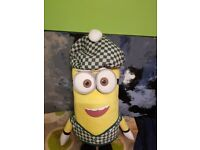 Minion toys xxl with a beautiful green hat