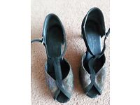 Ladies Equity dance shoes size 5 1/2