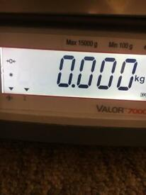 OHAUS VALOR 7000 compact bench scales
