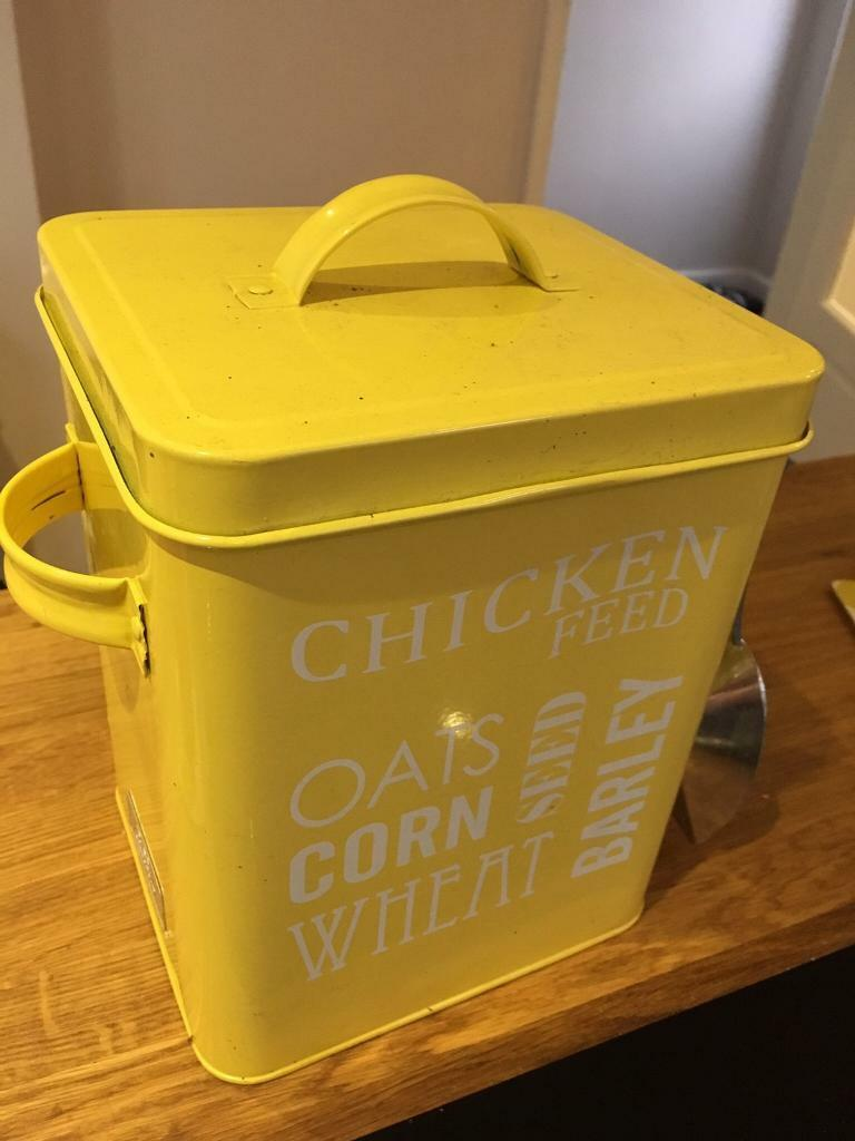 Chicken feed metal tin