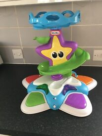 Little Tikes Ocean Explorer Stand and Dance Starfish Baby toy