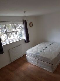 CLEAN LARGE DOUBLE ROOM WITH A LOT OF SPACE AND FITTED CUPBOARDS IN LOVELY HOUSE SHARE - BILLS INC