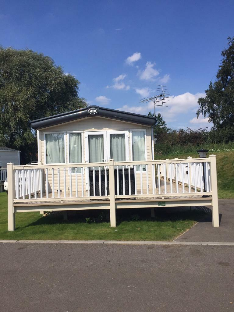 Luxury caravan to rent at Tattershall Lakes