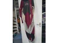 WETSUIT size Large made by GUL