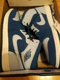 2 pairs jordan 1 uk 11