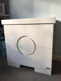 Baby changer unit with draws