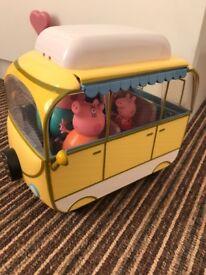 Pepa pig caravan and figures